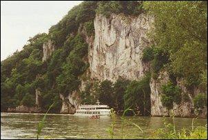 Rondvaartboot op de Donau