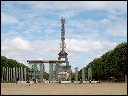 Parijs Eiffeltoren met voormalig tentoonstellingsterrein