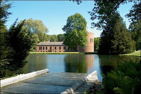 Vijver en kasteel Rosendael