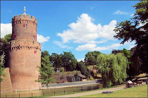 Kruittoren in Kronenburgerpark te Nijmegen