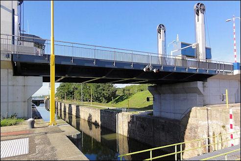 Maas-Waalkanaal bij Nijmegen
