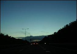 Donkere snelweg in Gelderland