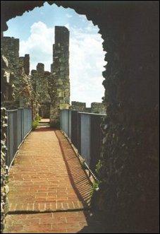 Op de kasteelmuur van Framlingham