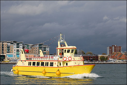 Rondvaartboot bij Poole
