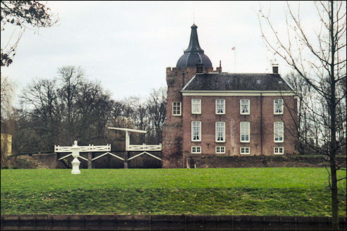 Kasteel de Merckenburg of Heukelum
