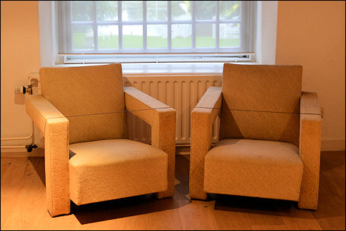 Gemakkelijke stoelen van Gerrit Rietveld