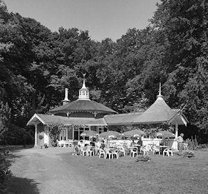 Theehuis Landgoed De Horsten (foto Rijksdienst voor het Cultureel Erfgoed Wikimedia Commons)