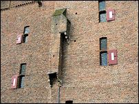 De dubbele afvoer gemak kasteel de Doornenburg