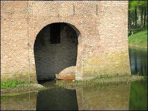 de Doorwerth met waterpoortje