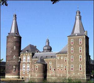 Kasteel Hoensbroek, torens hoofdgebouw