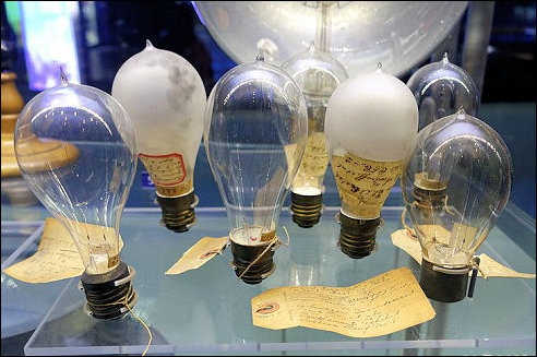 Thomas Edison En De Gloeilamp