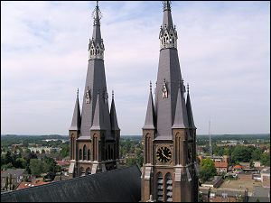 Cuijk Spitsen St Martinuskerk (Foto: Ben Hendriks)