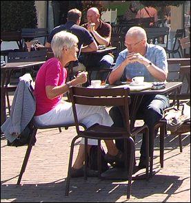 Bejaarden in Apeldoorn (Foto: Ruud van Capelleveen, 2011)