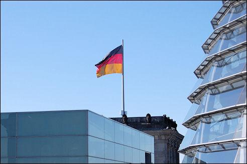 Duitse vlag op RIjksdag