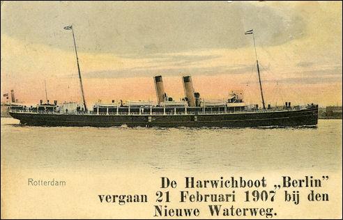 De stalen veerboot Berlin in Rotterdam
