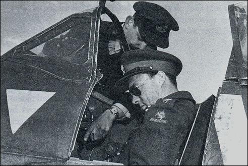 Bernhard in de cockpit