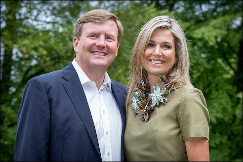 Koning Willem-Alexander en koningin Máxima in Wassenaar