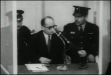 Eichmann tijdens proces in Jeruzalem