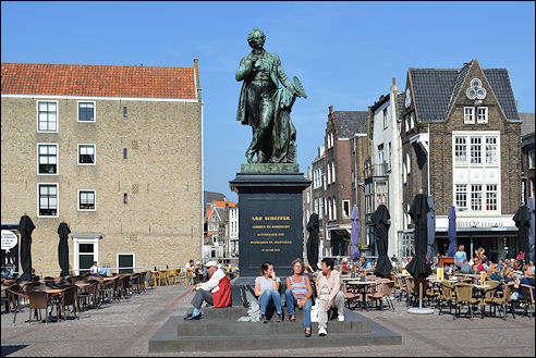 Standbeeld van Ary Scheffer in Dordrecht