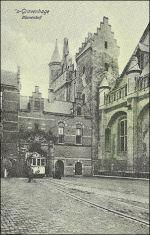Binnenhof en tram