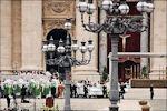 Paus Benedictus XVI op het Sint Pietersplein