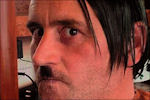 Lutz Bachmann als Adolf Hitler